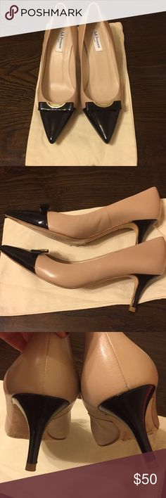 L.K. Bennet classic nude w black pumps in size 40 L.K. Bennet classic beige pumps w patent leather accent. They are size 40 but fit narrow. They have been worn once I bought them from another pusher but are too tight for me. They are in excellent condition. Price is firm ❤️🌺🌹 L.K. Bennett Shoes Heels