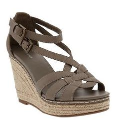 Love these wedges. Perfect for summer!