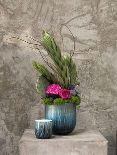 The Moscow Pot - blue and white vase - new for 2016 from Accent Decor Ikebana Arrangements, Table Flower Arrangements, Table Flowers, Blue And White Vase, White Vases, Art Floral, Corporate Flowers, Flower Decorations, White Flowers
