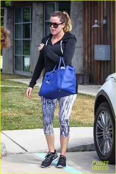 Kim Kardashian Can't Stop Raving About 'Fault in Our Stars,' Saw It Again With Her Whole Family! | kim khloe kourtney kardashian get in a morning workout 05 - Photo