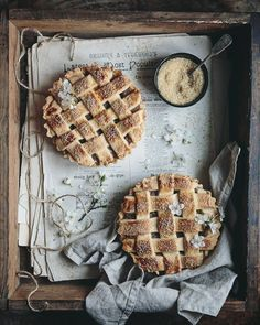Hey lovely people!Today is the last day you can vote for Bea's cookbook in UK Blog Award.Link in profile,I promise it won't take longer than one minute and as a huge thank you for all your support I'm sending everyone a piece of apple tart