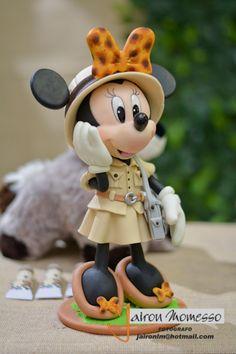 Mickey Mouse, Mickey Minnie Mouse, Twin Birthday Parties, Disney Figurines, Disney Cakes, Wallpaper Iphone Disney, Disney Junior, Mickey And Friends, Sugar Art