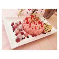 Birthday Cake 惜しくも仕事の時間になってしまい食べれなかったー  #pinkってあがる #食べたかった #にゃんケーキ by yuk00shima