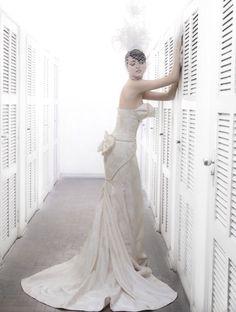 Vestido de noiva R. Rosner para Baaz Atelier em Jacquard de seda com motivo de rosas. Clássico e elegante!