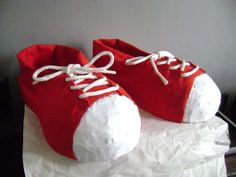 Giant Clown shoes... may be making 2 sets of these for the husband... teehee