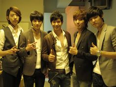 cnblue with Ice Saranyu