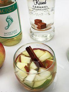 Delicious Drink Recipes: Apple Pie Sangria Recipe @ghanlon5 @jhanlon84 @hanlon33 this sounds right up our alley!!