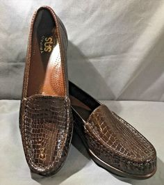 39.97$  Buy here - http://vilaw.justgood.pw/vig/item.php?t=gavpm6h36835 - SAS Shoes Size 7 N Simplify Leather Moccasin Loafer Dark Brown Croc Print
