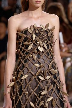 themaritimes:  chantellecoco:  Valentino F/W 2015  Haute Couture  Close Up  ~