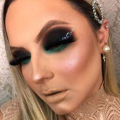 Bridal Eye Makeup, Glam Makeup, Makeup Inspo, Makeup Inspiration, Hair Makeup, Makeup Goals, Makeup Tips, Close Up, Smoked Eyes