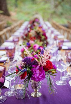 Yes to vivid fleurs and purple tablecloths // Michelle Walker Photography