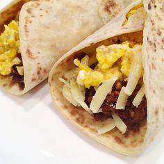 #frokostburrito med #karbonadedeig #eggerøre og #cheddar i #speltlomper - superdigg! #breakfast #frokost #proteinfood #proteinrikt #matformuskler #matglede #sunn #sunnmat #sunnogsterk #healthy #healthyfood #flexibledieting