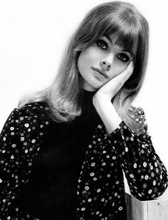 Jean Shrimpton,1964. Photo by John French