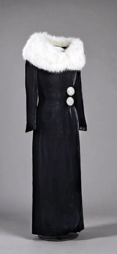 ~Coat - 1930-38 - Machine woven silk velvet and silk satin, fur - Nasjonalmuseet for kunst, arkitektur og design, Oslo, Norway~