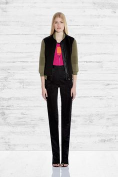 http://www.style.com/slideshows/fashion-shows/pre-fall-2015/ohne-titel/collection/11