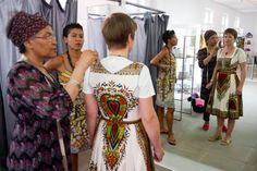 Dirndl à l'Africaine  Noh Nee, Rehmee Wetterich, Marie Darouiche  http://www.welt.de/regionales/muenchen/article108821012/Dirndl-a-l-Africaine.html#