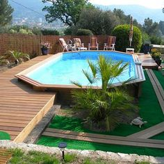 This deck privacy is honestly a magnificent style alternative. Oberirdischer Pool, Above Ground Swimming Pools, Swimming Pools Backyard, Swimming Pool Designs, In Ground Pools, Above Ground Pool Landscaping, Backyard Pool Landscaping, Backyard Patio Designs, Piscina Diy