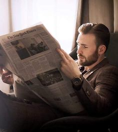 """Chris Evans on """"Emotional"""" Last Day of 'Avengers: Endgame,' 'Captain America' Costume and Hollywood Walk Of Fame, The Hollywood Reporter, Hollywood Actor, Old Hollywood, Marvel 3, Marvel Actors, Steve Rogers, Soul Patch, Christopher Evans"""