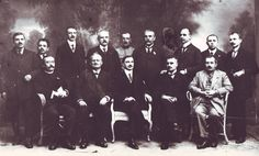 Congresul general al Bucovinei, întrunit azi, joi în 15/28 noiembrie 1918 în Sala Sinodală din Cernăuți, considerând că, de la fondarea Principatelor Române, Bucovina, care cuprinde vechile ținuturi ale Sucevei și Cernăuților, a făcut pururea parte din Moldova, care în jurul ei s-a închegat ca stat; 1 Decembrie, Romania, Country, Mai, Concert, Rural Area, Concerts, Country Music