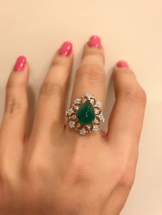Bucellati emerald and diamond lace ring , the emerald is like a candy , very very pretty Gold Ring Designs, Gold Earrings Designs, Gold Jewellery Design, Necklace Designs, Handmade Jewellery, Gold Rings Jewelry, Emerald Jewelry, Diamond Jewelry, Fine Jewelry