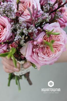 #kwiatownia #bouquet #bridal #bride #bridesmaid #slub #wesele #bridalbouquet #flowers #flowerinspirations #inspirations #weedingday #floral #art #design Weeding, Bouquets, Bridesmaid, Bridal, Floral, Flowers, Design, Art, Dama De Honor