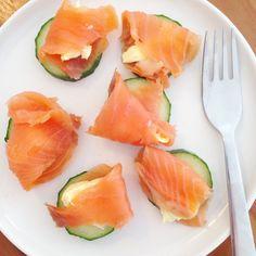Caloriearme Snacks met Komkommer De komkommer is hydraterend omdat het vol gezond, vitaminen en mineralen rijk vocht zit. Wij weten allemaal dat 2 schijfjes komkommer op de ogen wallen verminderd, …