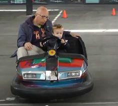 Elektrische botsauto op uitgezet circuit. TU/experience dag op zondag 2 juni 2013 te Eindhoven.