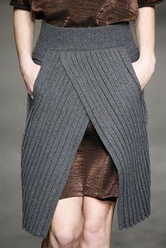 31 Ideas For Crochet Skirt Outfit Winter Knit Sweaters Crochet Skirt Outfit, Knit Skirt, Knit Dress, Winter Skirt Outfit, Winter Dresses, Skirt Outfits, Knitwear Fashion, Sweater Fashion, Leggings Fashion