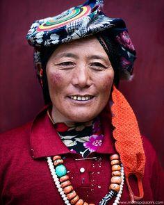 Tibetan gold smile #ig_respect #portrait_shots #people_and_world #fotogulumse #nikonitalia #ig_energy_people #portraitgoodshot #ig_photo_club #top_portraits #igs_asia #majestic_people #worldframeclub #aniyakala #hayatandanibarettir #ig_glower #inscountries #ig_respect #ig_muse #fotogulumse #everydayevrywhere #jj_allportraits #fotogulumse #instaghesboro #mybest_portrait #fotograf__dunyasi #igshotz #turkinstagram #all_mypeople #IG_Exquisite by mattia_passarini