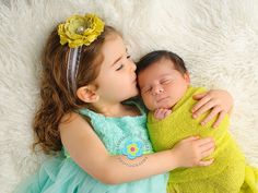 Cleveland Newborn Photography, Sibling and Newborn