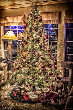 Tis the Season - hahaha love the leg lamp from A Christmas Story!