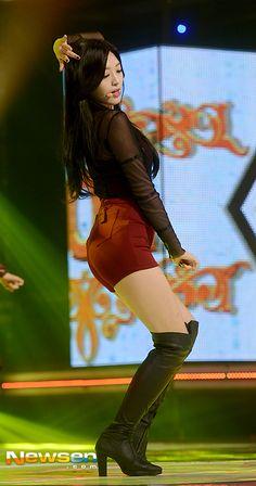 AOA - Kim ChanMi showing S-Line 141119 : [포토엔]AOA 찬미 'S라인 몸매 뽐내며'   Daum 연예