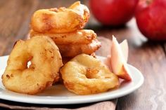 Beignets aux pommes très faciles : Recette de Beignets aux pommes très faciles - Marmiton Apple Recipes, Snack Recipes, Snacks, Silicone Cupcake Molds, Bag Cake, Icing Tips, Thermomix Desserts, Cake Decorating Supplies, Deserts