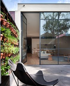 This Victorian home was renovated by Robson Rak Architects along with interior design studio Made By Cohen, located in Melbourne, Australia. Australian Interior Design, Interior Design Awards, Australian Homes, Interior Design Studio, Contemporary Interior, Design Interiors, White Interiors, Modern Interiors, House Interiors
