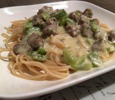 spaghetti Spaghetti, Hamburgers, Pasta, Ethnic Recipes, Food, Burgers, Hamburger, Essen, Meals
