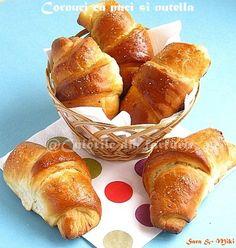 Croissants, Romanian Food, Crescent Rolls, Saveur, Pretzel Bites, Nutella, French Toast, Butter, Sweets