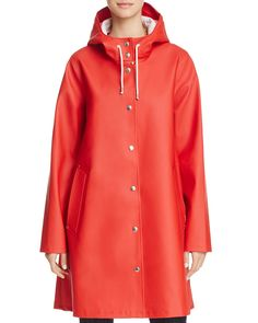Stutterheim Mosebacke Hooded Raincoat - Exclusive In Red Baby Raincoat, Yellow Raincoat, Hooded Raincoat, Best Rain Jacket, Rain Jacket Women, Raincoats For Women, Jackets For Women, Summer Coats, Suits