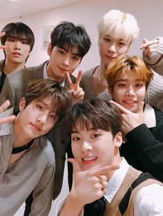Today, we are always so grateful that we love our way to shine on the stage,💕 well, we like to sleep and dream Country do you want to go to the ㅎㅎ author M. Jooheon, Hyungwon, Kihyun, Channel V, Cha Eun Woo, K Pop, Kim Myungjun, Park Jin Woo, Baby Cakes