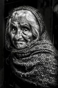 Pure tenderness by RobHarp Emotional Photography, Old Faces, Face Reference, Photographs Of People, Joan Crawford, Human Emotions, Photo Black, People Of The World, Interesting Faces