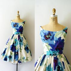 """""""Just in! The Moody Blues Sundress • 50s Floral Cotton Sundress • Small 34-25-free  #sweetbeefinds #vintage #etsy #1950sdress #1950s"""""""