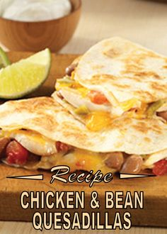 Looking to spice things up in the kitchen tonight? This delicious and easy Chicken and Bean Quesadillas recipe is perfect for dinner! Good Food, Yummy Food, Delicious Recipes, Sour Cream Chicken, Mexican Food Recipes, Ethnic Recipes, Chicken Quesadillas, Refried Beans, Chicken Recipes