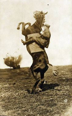 WWI cavalryman.... Look at the awesome power and control...