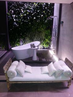 bellissima sala bagno , allestimento Gessi Milano
