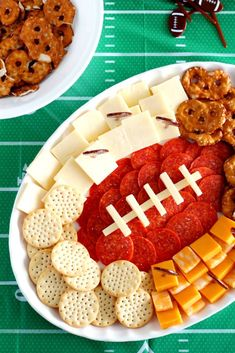 Football Party Foods, Best Football Food, Football Recipes, Football Parties, Football Birthday, Charcuterie Recipes, Charcuterie Platter, Tailgate Food, Tailgating