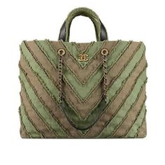Chanel shopper XXL. Spring Summer 2017 bags