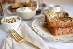 The Griddle- Classic French Toast - Cupcakes and Cashmere Breakfast Tacos, Breakfast Recipes, French Toast Cupcakes, My Favorite Food, Favorite Recipes, Brioche French Toast, Food Inspiration, Cravings, Yummy Food