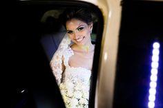 carro de noiva; carro luxo noiva; carro classico noiva; carro antigo noiva; noivos; casamento;