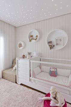 Baby Girl Nursery Design Ideas for Your Cutie Pie – mybabydoo - Kinderzimmer Baby Bedroom, Baby Room Decor, Nursery Room, Girl Nursery, Girl Room, Girls Bedroom, Bedroom Decor, Nursery Ideas, White Nursery
