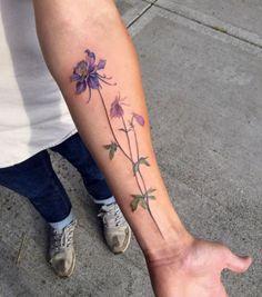 Dazzling Columbine Flower Tattoo On Arm Pretty Tattoos, Love Tattoos, Beautiful Tattoos, Body Art Tattoos, Tatoos, Small Flower Tattoos, Flower Tattoo Arm, Small Tattoos, Columbine Tattoo