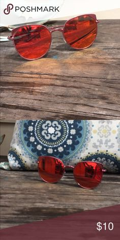 Cat eye glasses Be summer ready with these super cute pink metallic cat eye glasses 😎 Accessories Sunglasses